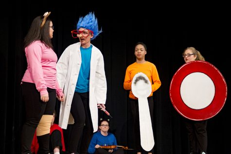 "Gallery: Spring Play debuts ""Hey Diddle Diddle"""