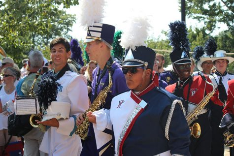 HHS band plays with Marching Royal Dukes