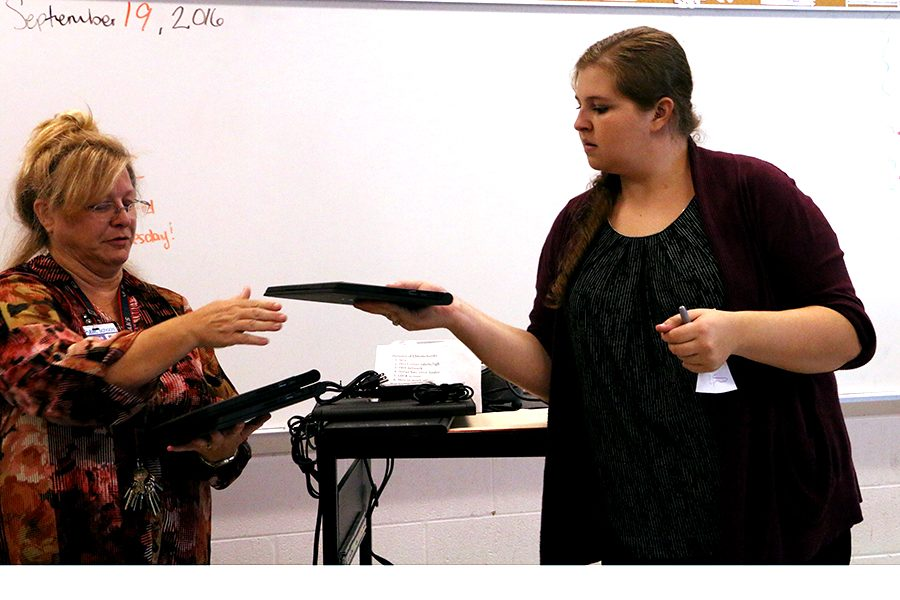 Freshman, Sophomores receive Chromebooks