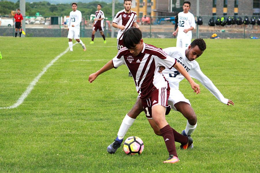 Boys soccer snatches conference title from Handley during penalty kicks