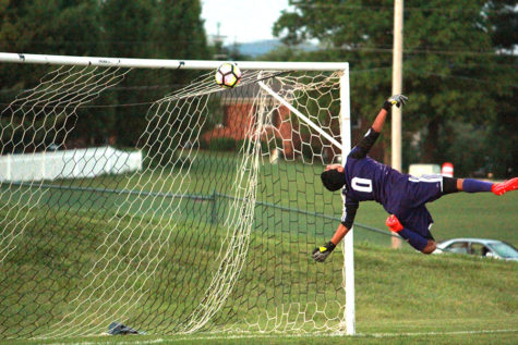 Boys varsity soccer crushes Fort Defiance