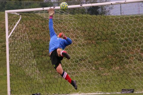 Boys varsity soccer crushes Fort Defiance