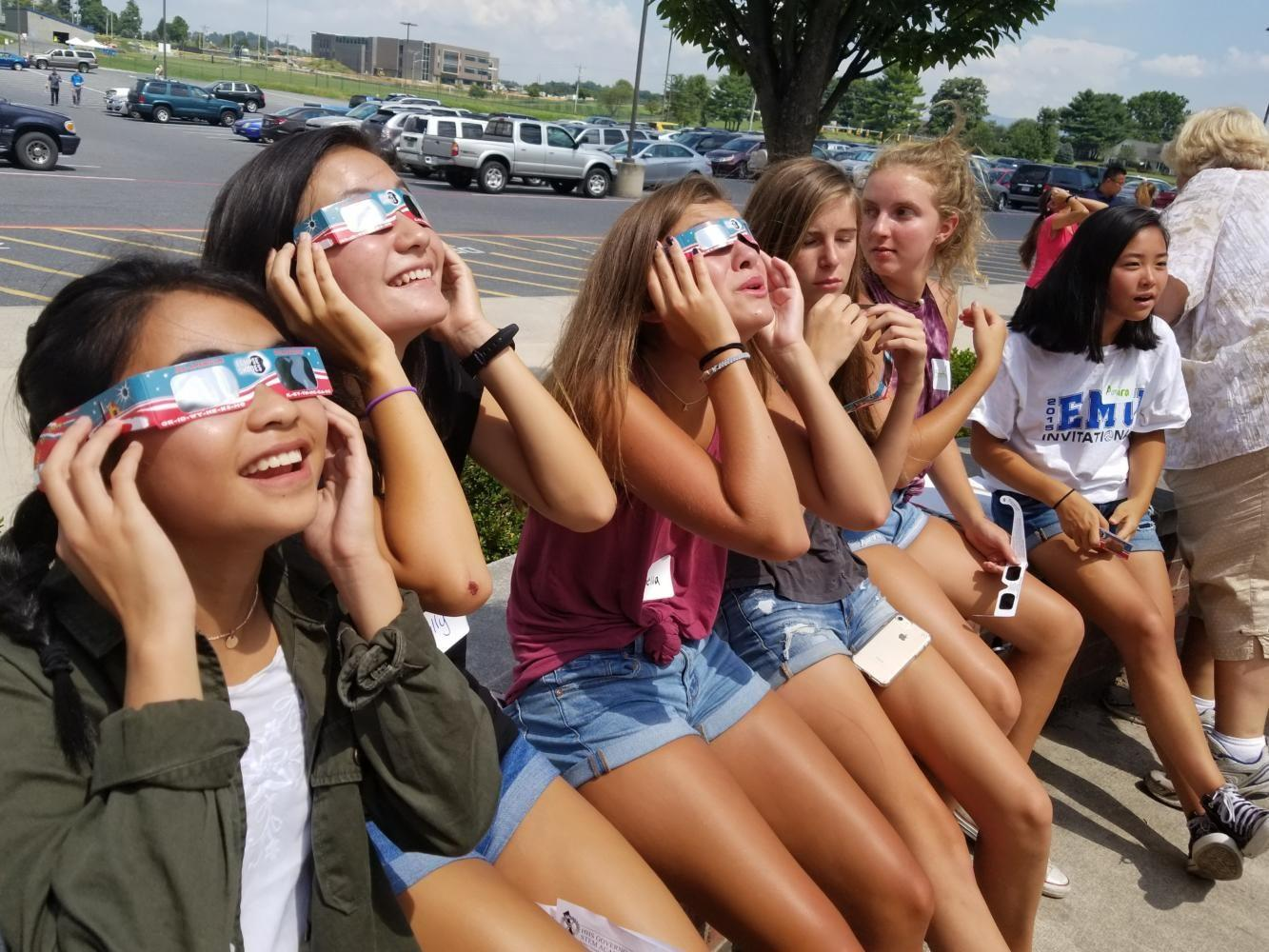 STEM hosts freshman orientation during solar eclipse