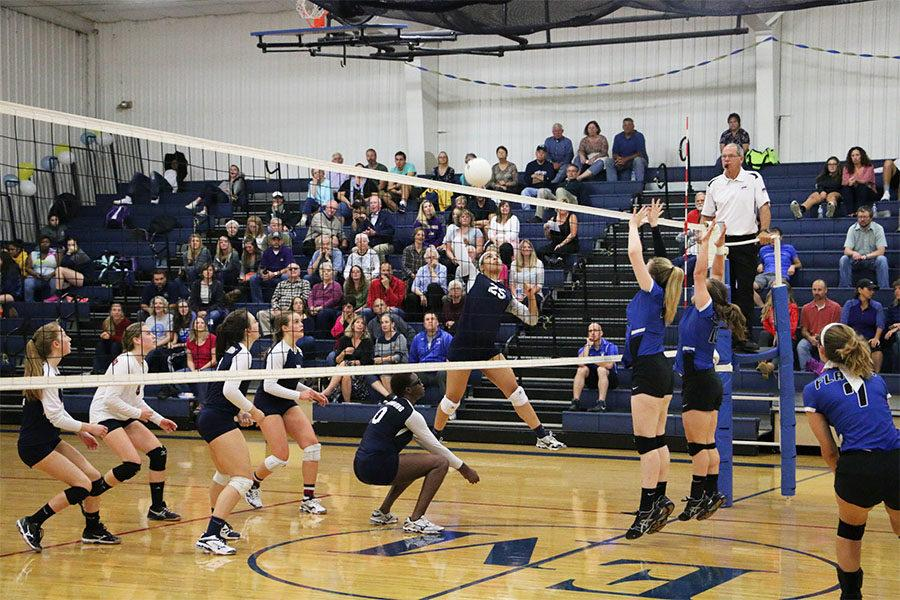 Varsity volleyball defeats Eastern Mennonite in five sets