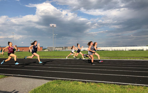 Outdoor track celebrates season with ice cream banquet